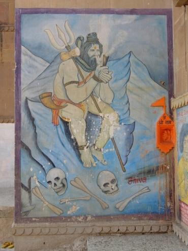 Shiva raucht seine Gansch.